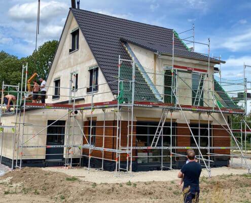 Einfamilienhaus als Doppelhaushälfte mit Carport in Poxdorf