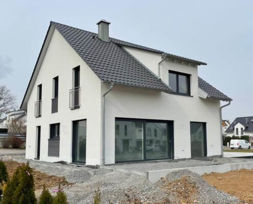 Doppelhaushälfte mit Carport in Ilsfeld