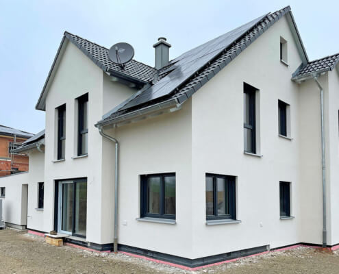 Einfamilienhaus mit Garage und Carport in Reinhardshofen