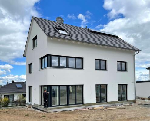 Einfamilienhaus mit Carport und Schuppen in Wilhermsdorf