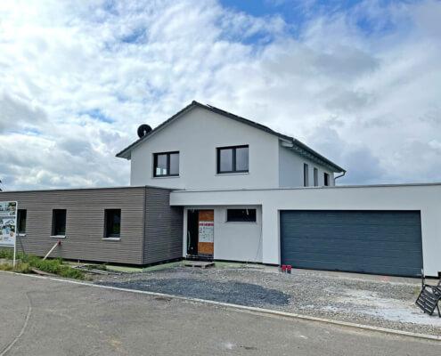 Zweifamilienhaus mit Garage in Simmershofen