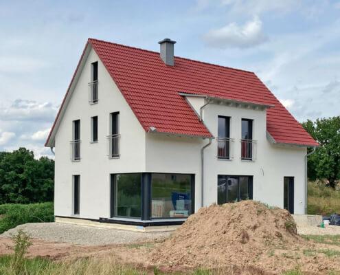Zweifamilienhaus mit Carport und Garage in Pyrbaum