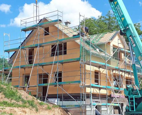 Einfamilienhaus mit Einliegerwohnung und Garage in Binzing